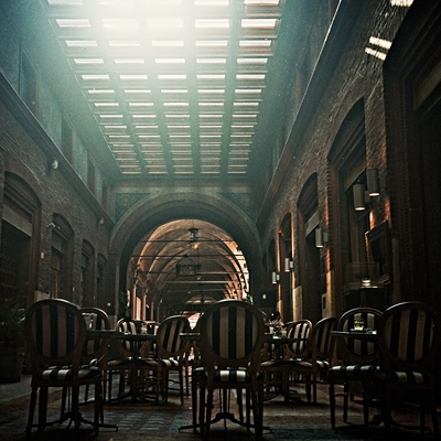 Galleria - Portico di via dei Musei a Bologna - Kodak Portra 160 NC
