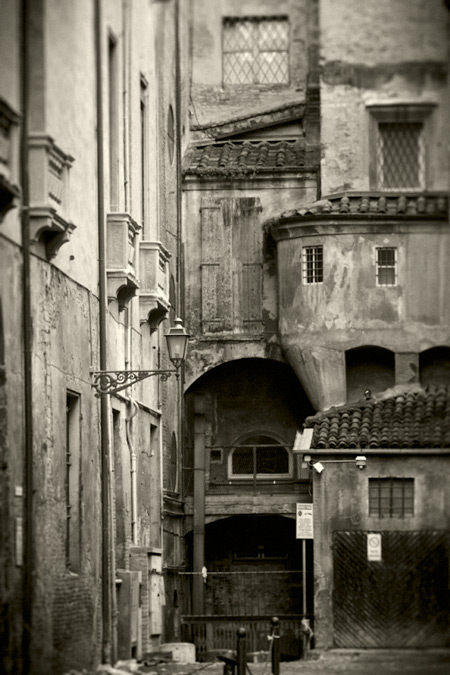 Bologna via dei Toschi